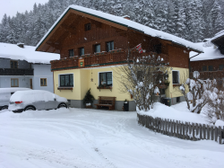 Ansicht-Gaestehaus-Tritscher-Winter